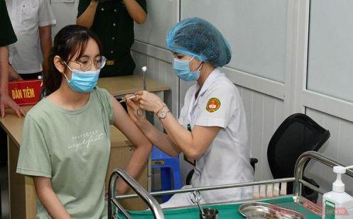 Tiêm thử nghiệm giai đoạn 3 vaccine Nanocovax.