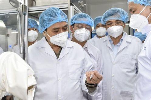Thủ tướng trong chuyến làm việc tại Công ty Nanogen.