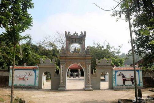 Chùa Sơn Hải được xây dựng vào thời Nguyễn, gồm cổng tam quan và 3 tòa hạ, trung, thượng điện uy nghi. _1292021